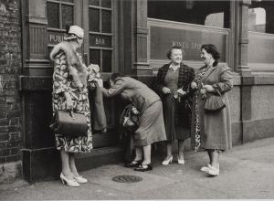 Bermondsey Womens' Pub Outing, London